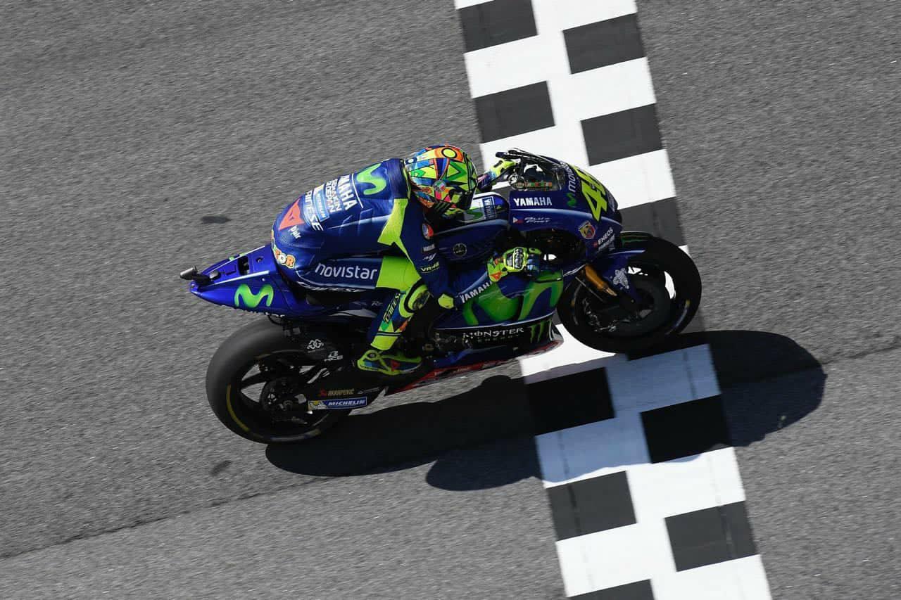 Kết quả Vòng 17 MotoGP: Đường đua ẩm ướt Sepang và quyết tâm của Movistar Yamaha