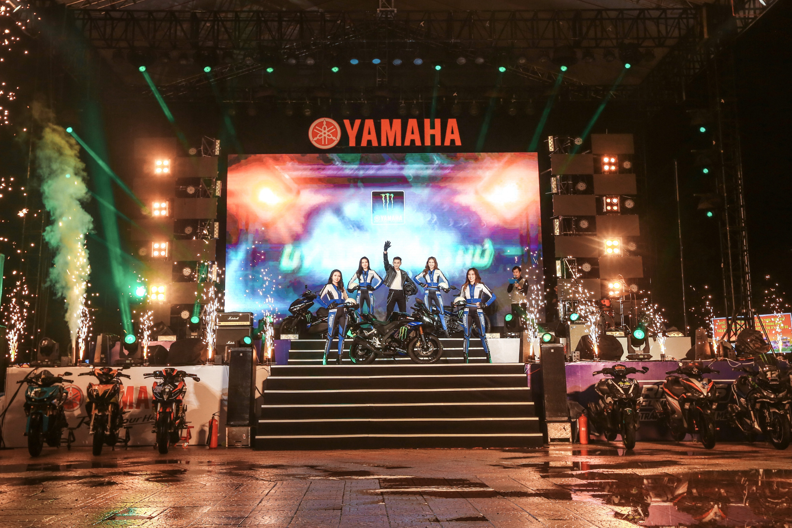 Tín đồ tốc độ trải nghiệm 3 phiên bản Monster Yamaha tại Y-Riders Fest 2020